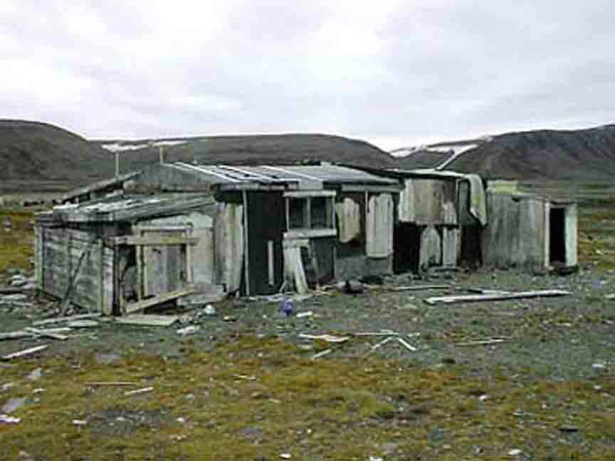 Outside Qavigarssuaq's abandon house